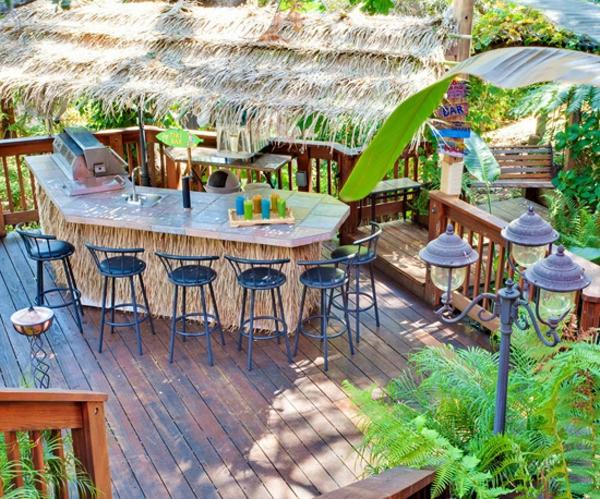 Eiche im tropischen Garten