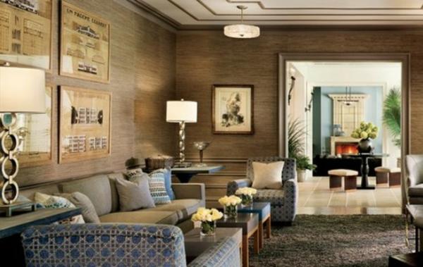 Ein interessanter Vorschlag mit goldenen Motiven auf den Wänden