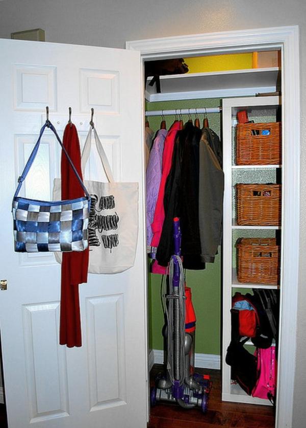 Die Rattan Kästchen sparen Platz - Sie und Ihre Taschen