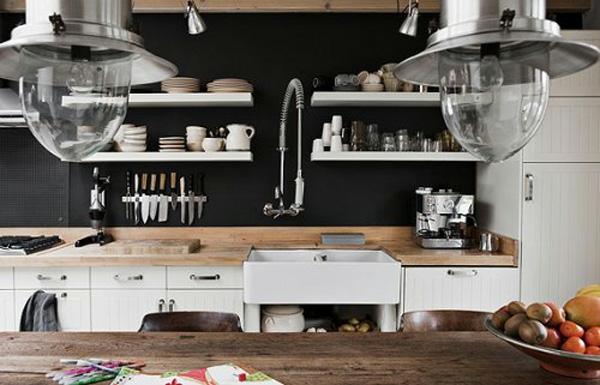 alte küche schwarze wände originelle idee design