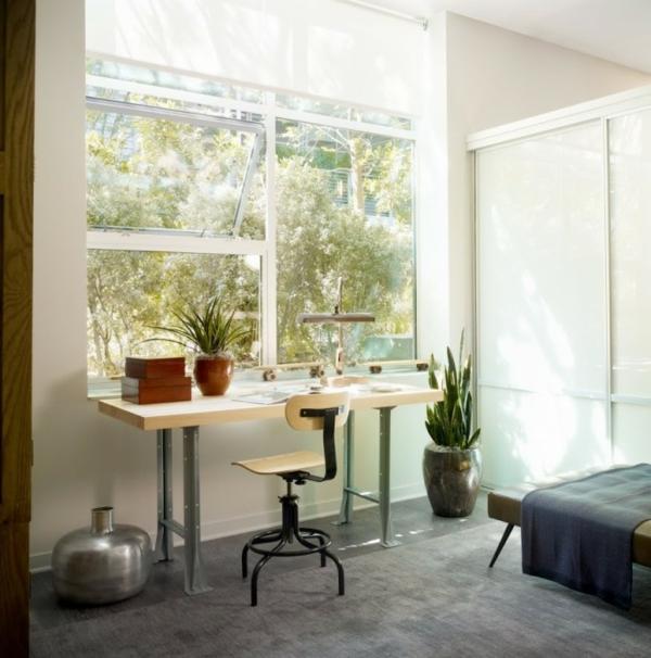 Arbeiten sie von zu Hause aus Interior Design frische Blumen