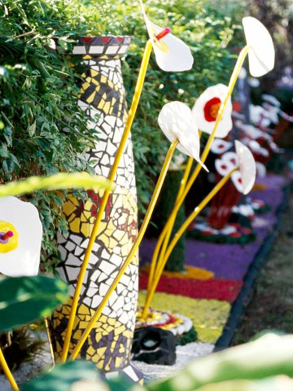 Bett Kinder Mosaiksäule Fliesen Gartendeko Idee Stilvoll Dunkel Rotholz Photo Gallery