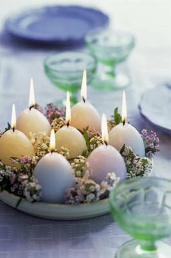 blaue deko ideen für ostern ostereier dekoration brennen glühen kerzen