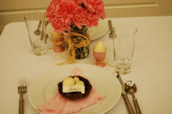 blumen am tisch ostern dekoration ideen eier