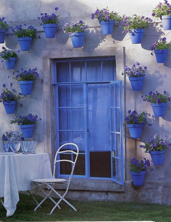 Patio design ideen 56 wundervolle vorschl ge for Blaue blumentopfe
