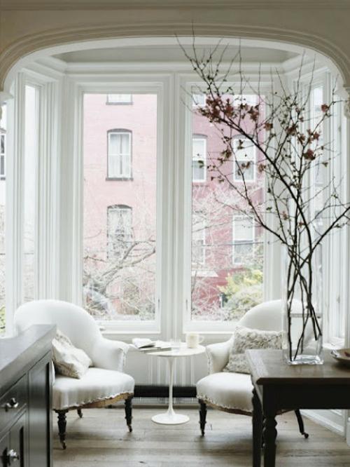 20 coole Fensternische Deko Ideen die inspirierend wirken : coole fensternische deko ideen erker klassisch from freshideen.com size 500 x 666 jpeg 206kB