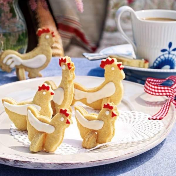 deko idee für easter backen plätzchen figuren hühner festlich