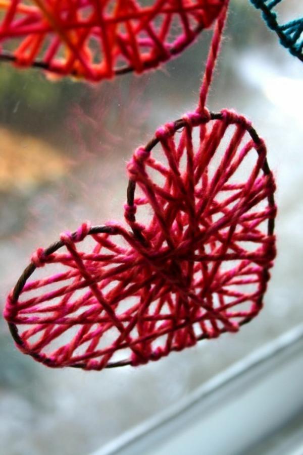 heimwerk zum valentinstag strickherzen