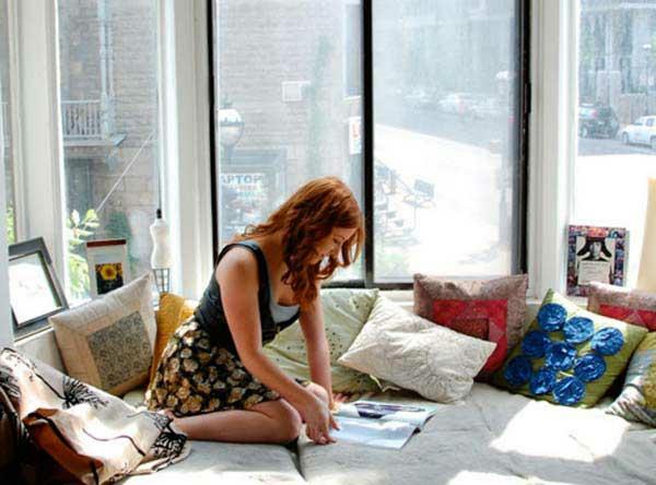 erkerfenster fenstersitze kissen sonne strahlen idee design