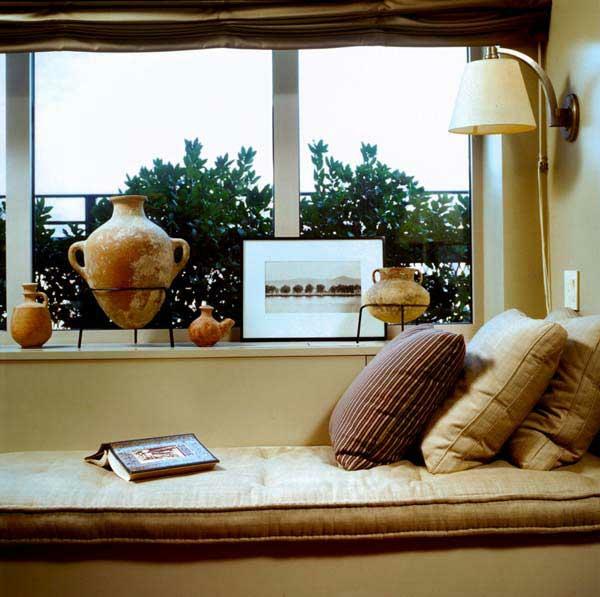 erkerfenster gestreift kissen ideen braun töne design