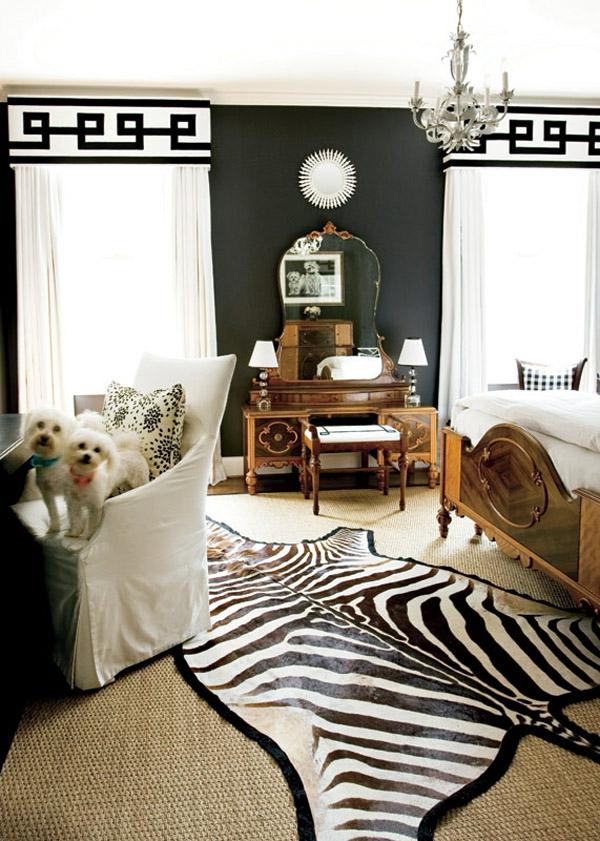 extravagant schlafzimmer holz zebra teppich idee muster