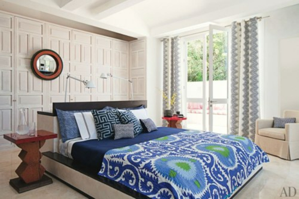 Vorschläge für den Platz hinter dem Bett blaue farbe