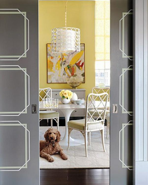 Türen mit Schablonen