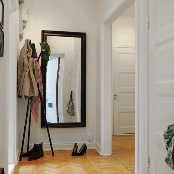 installation-von-spiegeln-idee-design-schuhe