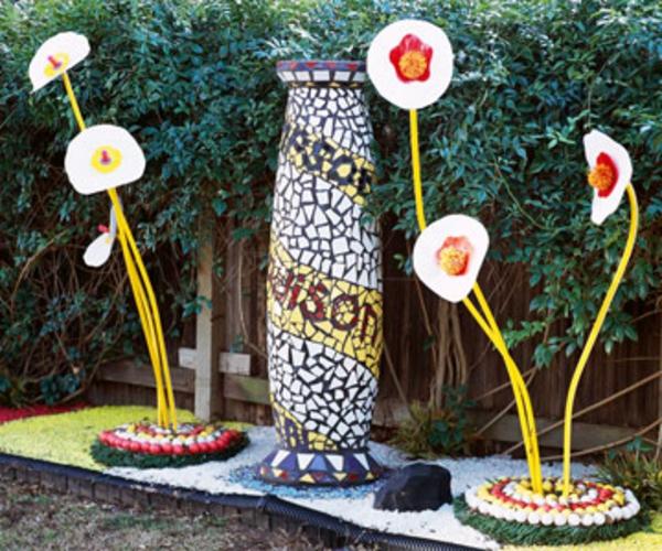 kinder mosaiksäule gartendeko ideen gartenkunst