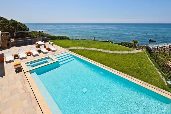 klares wasser pool schwimmbad idee design outdoor