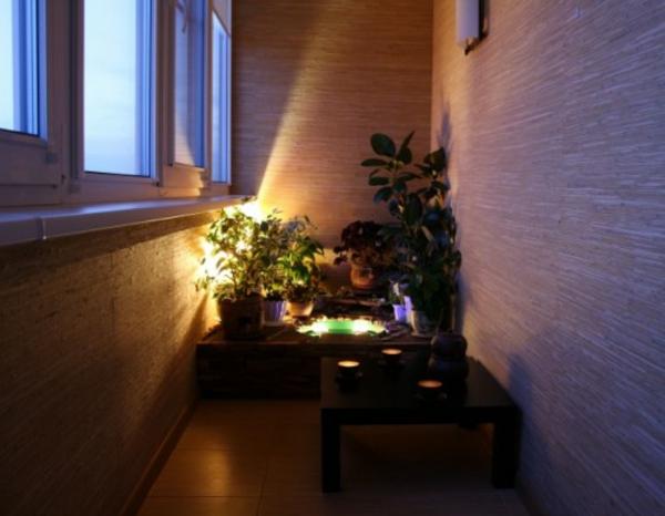 kleinen-Balkon-abend