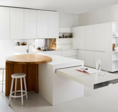 Minimalistische weiße Küche vom Elmar Studio und noch andere Ideen