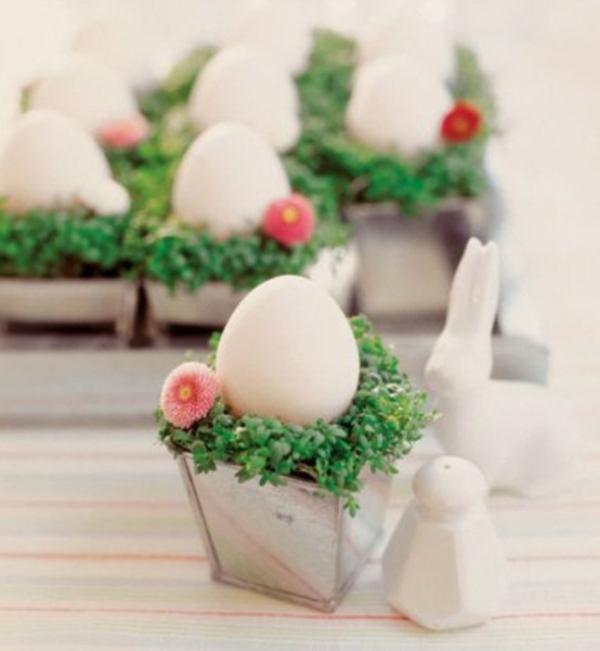 nette ostern dekoration tisch weiss eier idee