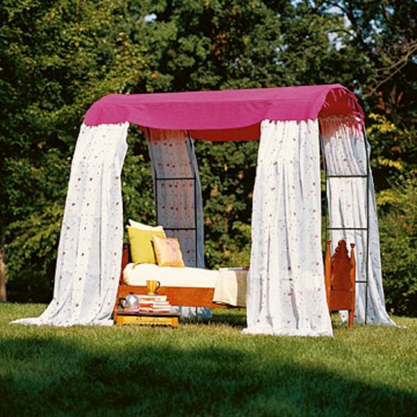 deko ideen im garten leichte und m rchenhafte vorschl ge. Black Bedroom Furniture Sets. Home Design Ideas