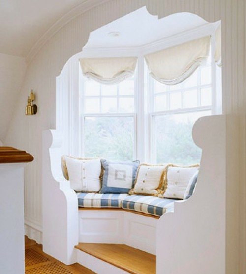дизайн комнаты с круглым окном вместо угла термобелье