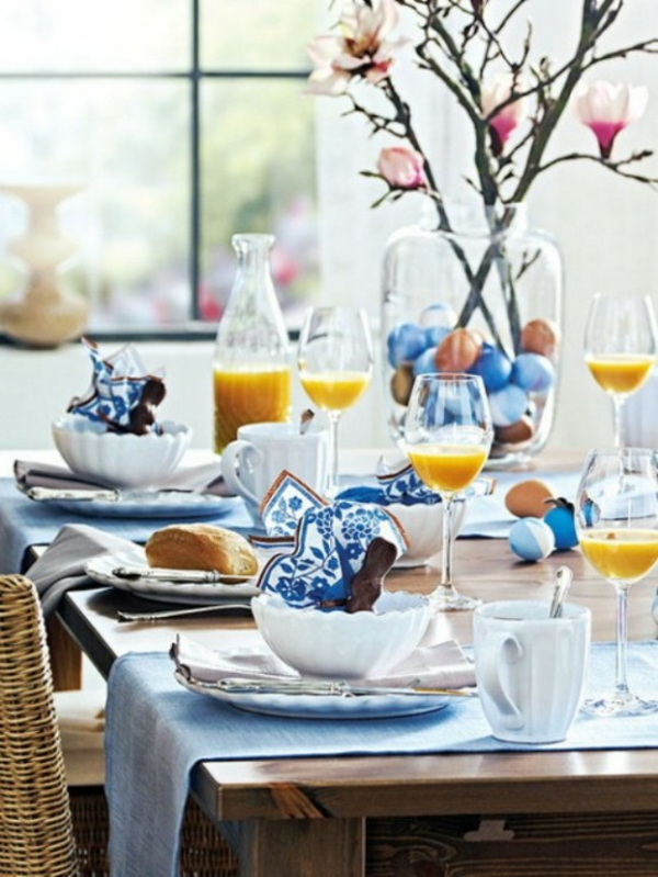 Blaue deko ideen zu ostern 15 festliche vorschl ge for Outdoor brunch decorating ideas
