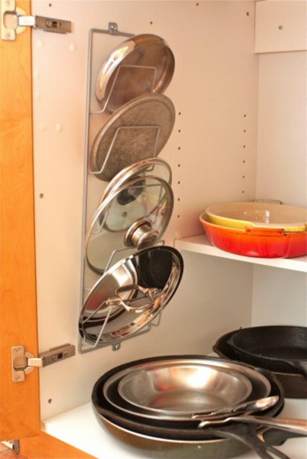 Topfdeckel und pfannen im küchenschrank topfdeckel küchenschrank aktualisieren stauraum idee