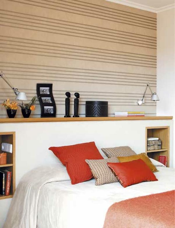 Schlafzimmerwand interessant dekoriert