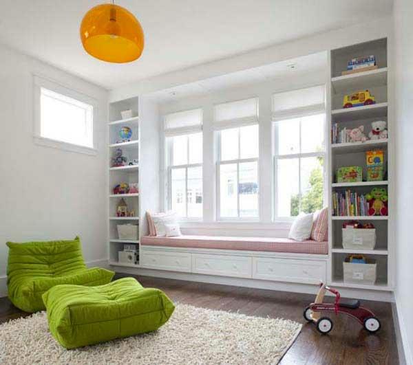 weiss interieur grüne frische elemente ideen design fenstersitze