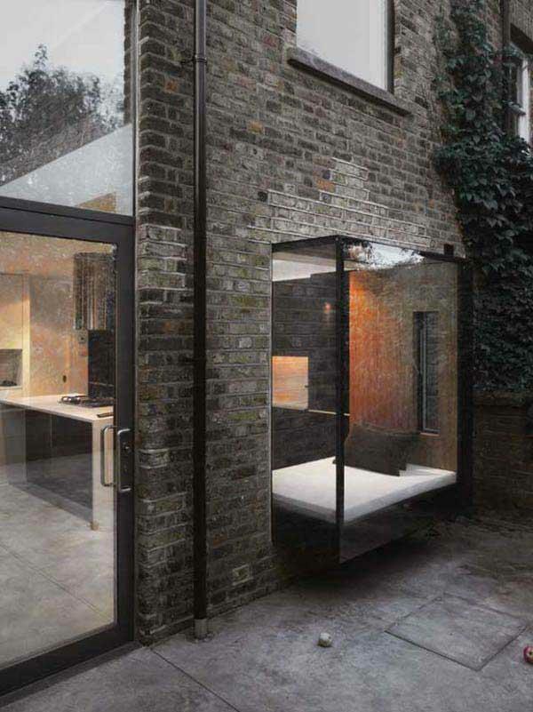 erkerfenster minimalistisch design fenstersitze ziegelwand