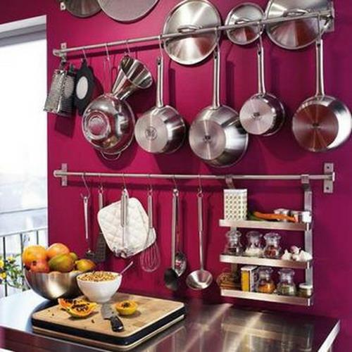 zyklamenrot wand extravagant küchenschienen