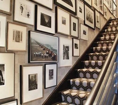 Altmodischer Vorleger Treppe viele Bilder
