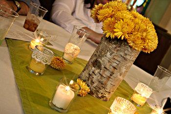 Gelbe Tischdekoration Kerze Vase Baumrind Design