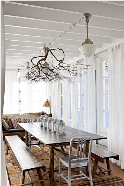 Innendekoration mit Zweigen - Lampen Decke Esszimmer Tisch
