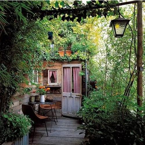 29 coole ideen f r den sch nen hinterhof. Black Bedroom Furniture Sets. Home Design Ideas
