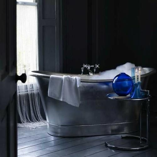 bad einrichtung manimalistisch modern silber metal badewanne