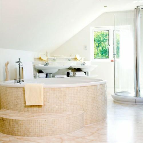 Badezimmer Im Dachgeschoss Idee Weiß
