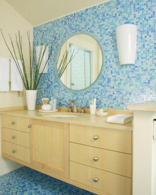 badfliesen blaue hell dunkel schlicht holz schminktisch waschbecken