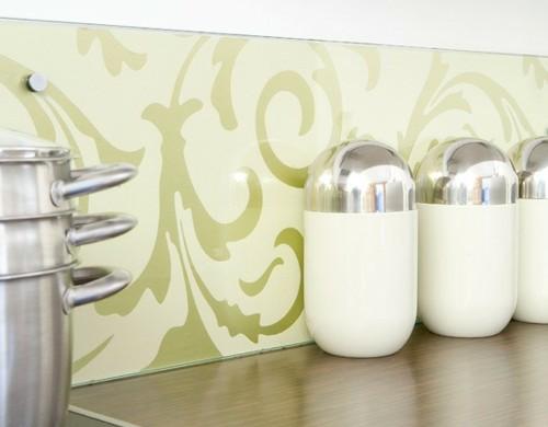 blass-grün-idee-küche-tapeten-wand-gewürze-kochtopf
