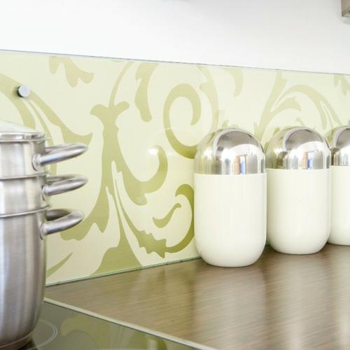blass grün ideeTapeten im Küchenbereich wand gewürze kochtopf