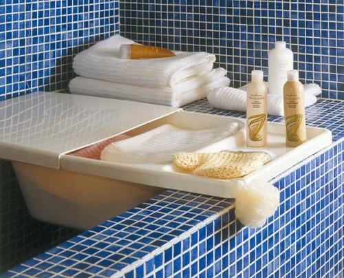 blau badfliesen idee aufbewahren ordnung badezimmer