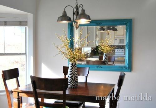 blau rahmen spiegel küche wand idee essbereich dunkel holz