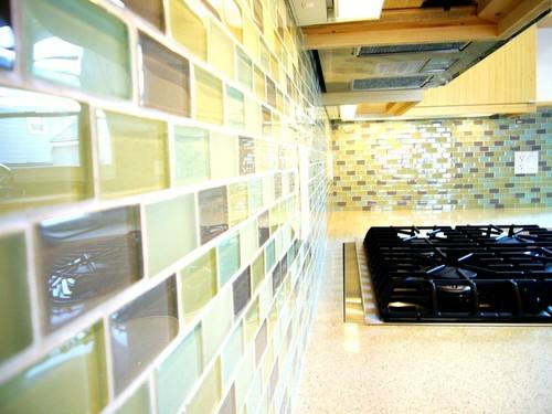 bunt glas kreative Küchenspiegel Ideen design küchen