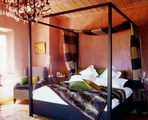 bunt Himmelbett im Schlafzimmer interessant