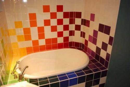 bunte keramik fliesen idee design badezimmer
