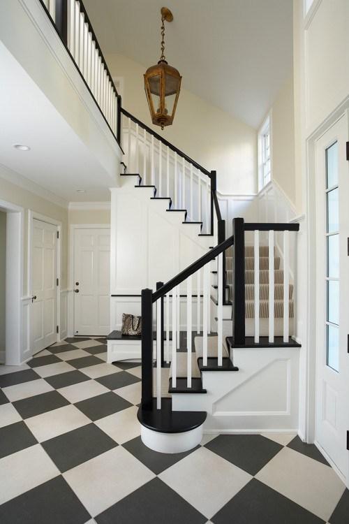 coole hellbraune Treppen Vorleger Dekor Idee