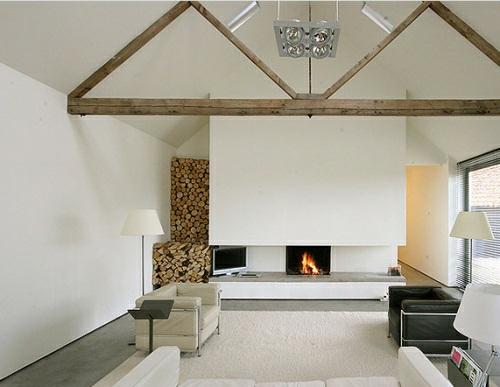 ... mit Brennholzmuster : wohnzimmer ideen dachgeschoss : Wohnzimmer