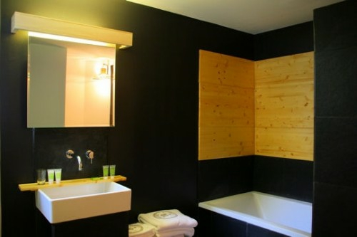 dunkle badezimmer design ideen schwarze wandbelag