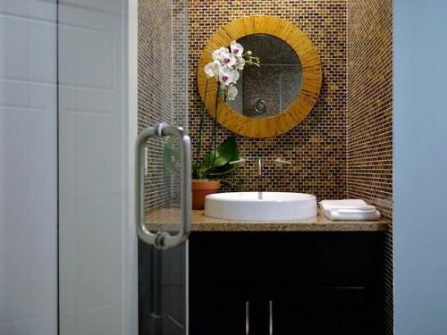 dunkle badezimmer design rundspiegel blumen