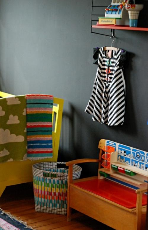 eklektische kinderzimmer design ideen schwarz wand